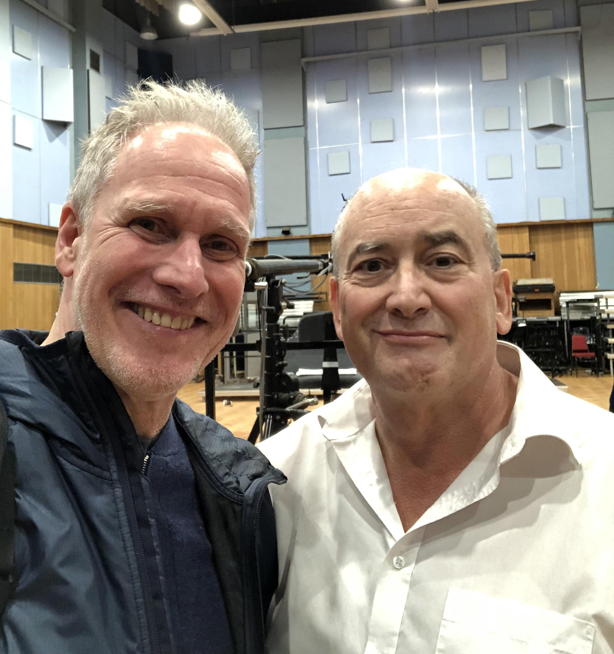 Peter Walsh und John Kurlander im Abbey Road Studio One in London